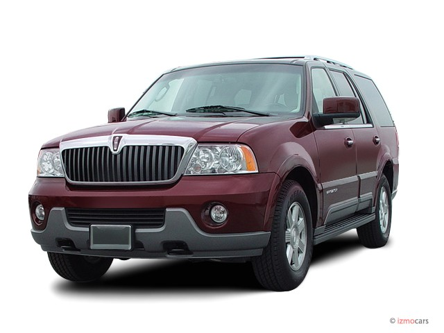 2003 Lincoln Navigator 2WD Ultimate Angular Front Exterior View