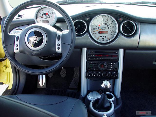 2003 Mini Cooper Hardtop 2 Door Coupe S Dashboard