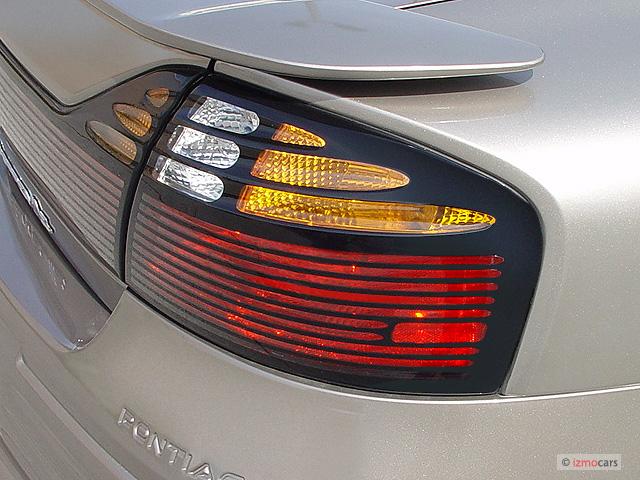 Image 2003 Pontiac Bonneville 4 Door Sedan Se Tail Light