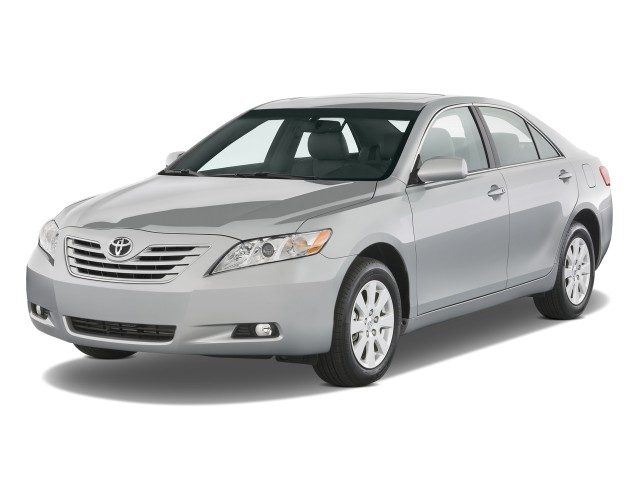 2009 Toyota Camry 4-door Sedan V6 Auto XLE (Natl) Angular Front Exterior View