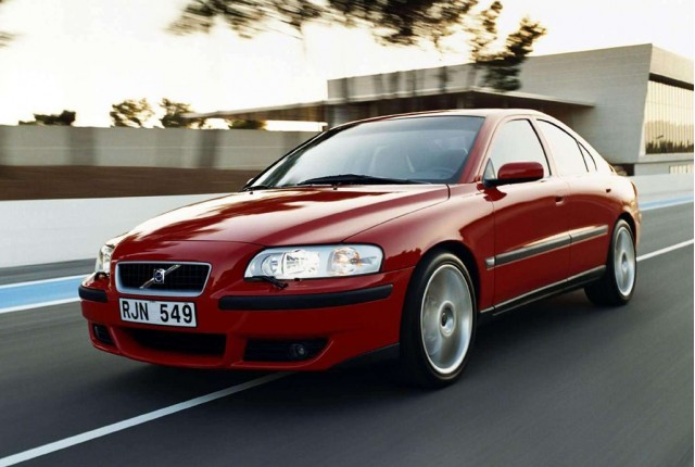 Report Volvo Considering R Performance Range Revival
