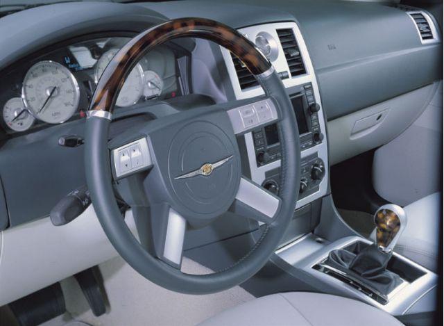 2003 Chrysler 300C concept\