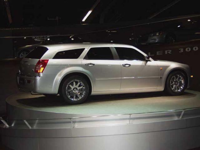 2003 Chrysler 300C Touring conceptt