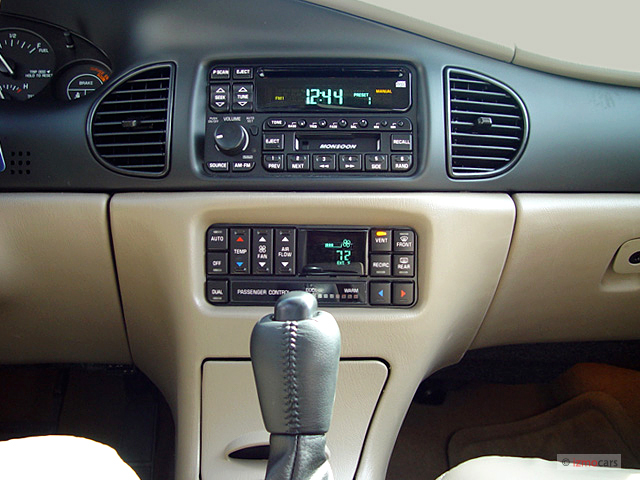 Image  2004 Buick Regal 4