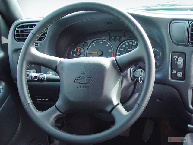 image 2004 chevrolet blazer 2 door xtreme steering wheel size 640 x 480 type gif posted on. Black Bedroom Furniture Sets. Home Design Ideas