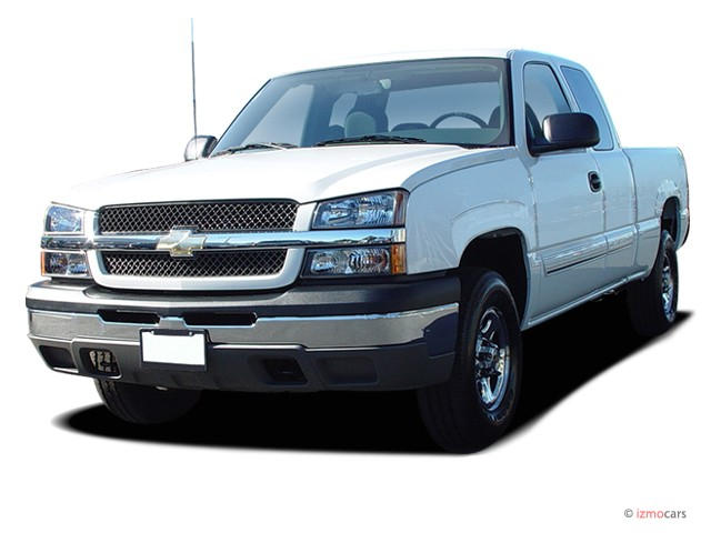 "2004 Chevrolet Silverado 1500 Ext Cab 157.5"" WB 4WD LS Angular Front Exterior View"