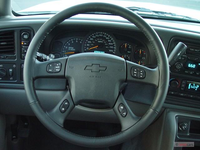 Image: 2004 Chevrolet Suburban 4-door 1500 4WD LS Steering ...