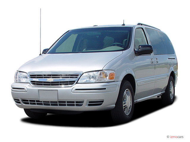 2004 Chevrolet Venture Ext WB LS Angular Front Exterior View