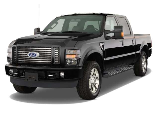 "2008 Ford Super Duty F-350 SRW 4WD Crew Cab 156"" Lariat Angular Front Exterior View"