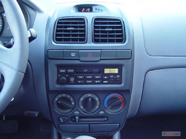 image 2004 hyundai accent 4 door sedan gl manual instrument panel  size 640 x 480  type gif Hyundai Elantra GT 2004 Hyundai Sonata Manual
