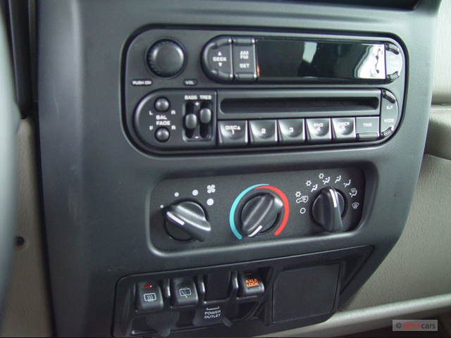 Image 2004 Jeep Wrangler 2 Door Rubicon Instrument Panel