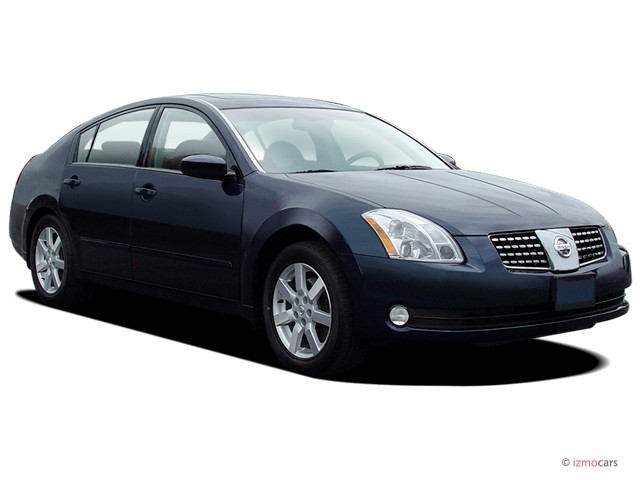 2005 Nissan Maxima 4-door Sedan SL Auto Angular Front Exterior View