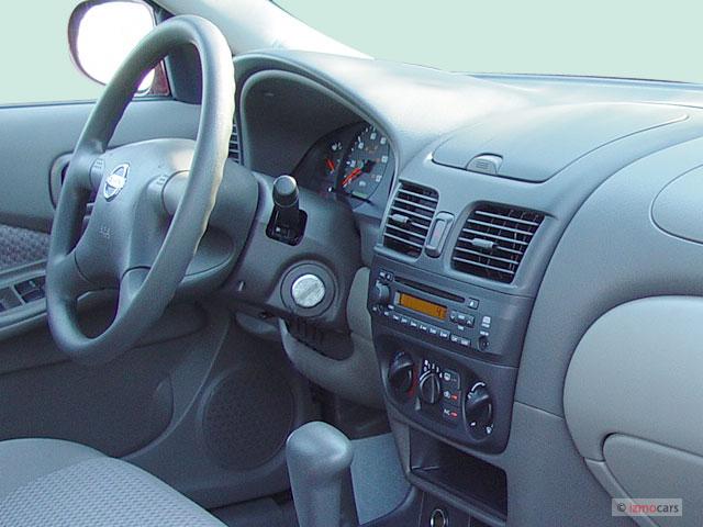 2004 Nissan Sentra 4-door Sedan 1.8 S Auto ULEV Dashboard