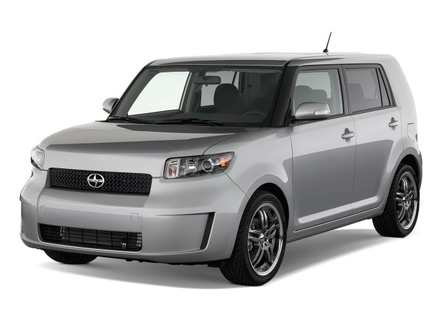 2010 Scion xB 5dr Wagon Auto (Natl) Angular Front Exterior View