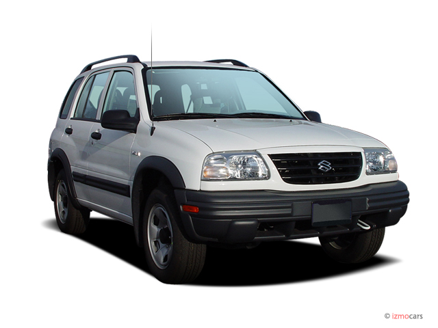 2004 Suzuki Vitara V6 4-door Auto 4WD Angular Front Exterior View
