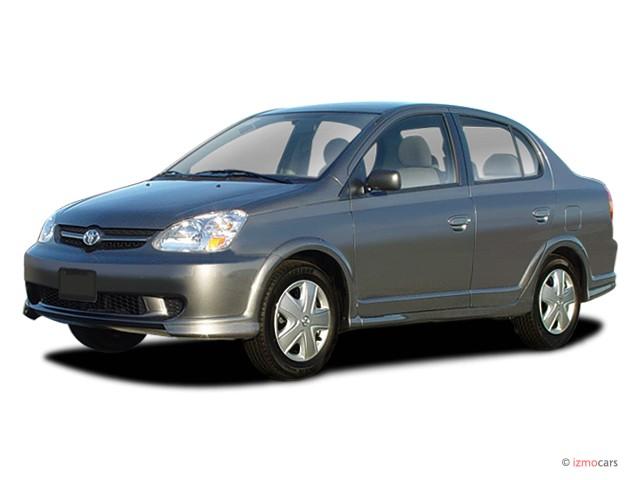 2003 Toyota Echo 4-door Sedan Manual (Natl) Angular Front Exterior View