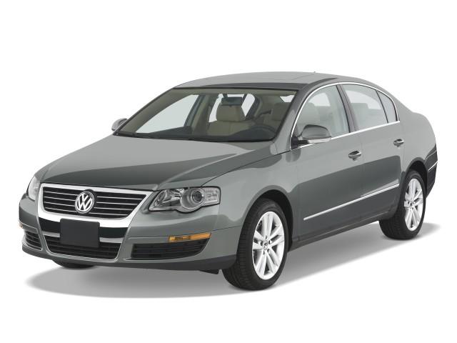 2009 Volkswagen Passat Sedan 4-door Auto Komfort FWD Angular Front Exterior View
