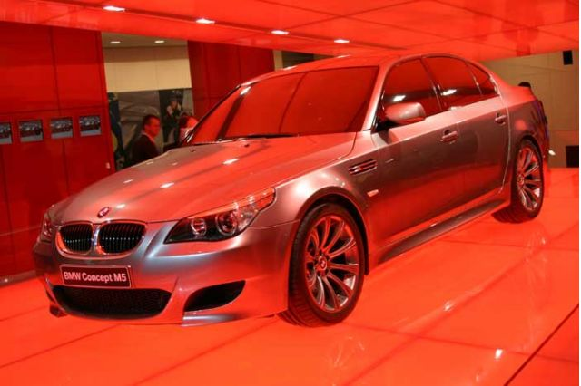 2004 BMW M5 Concept