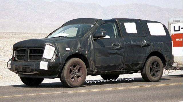 2004 Dodge Durango spy shot
