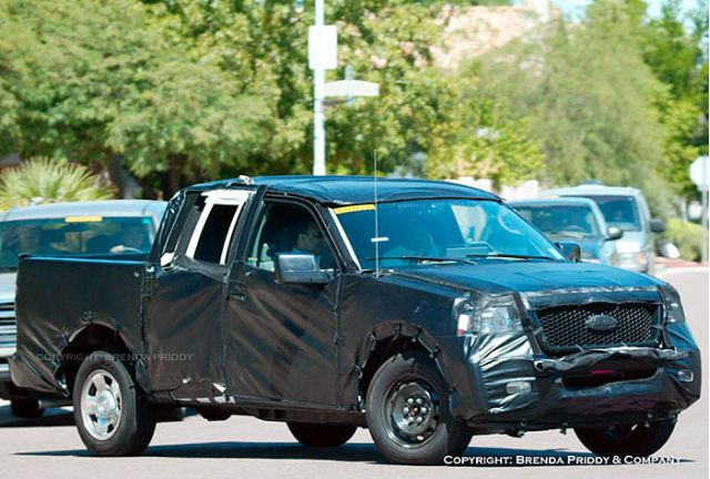 2004 Ford F-150 spy shot