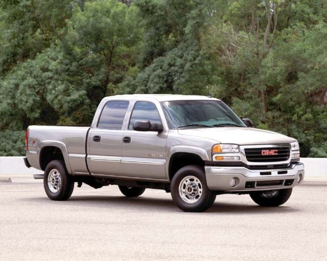 2004 gmc sierra 2500hd review ratings specs prices and photos rh thecarconnection com 2004 GMC Box Truck 2004 GMC 1500 Truck