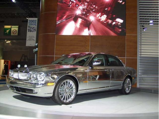 2004 Jaguar XJ Paris auto show