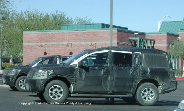 2004 Nissan SUV spy shot
