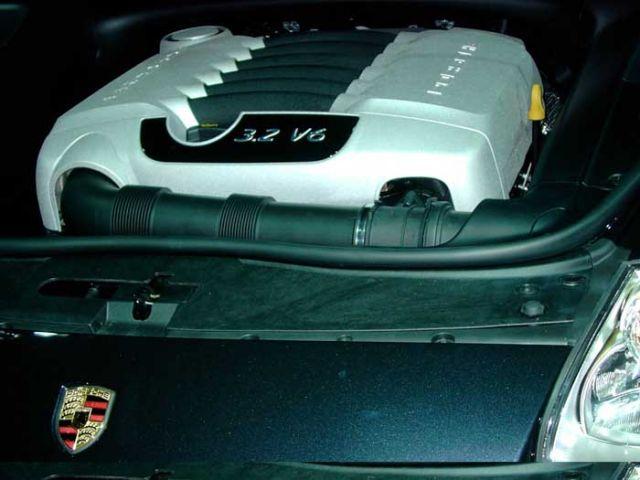 2004 Porsche Cayenne V-6