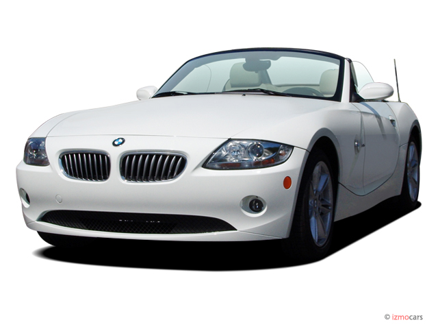 2005 BMW Z4-Series Z4 2-door Roadster 3.0i Angular Front Exterior View
