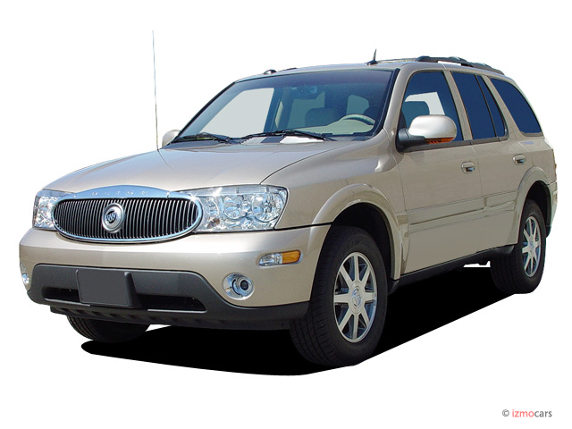 2005 Buick Rainier 4-door CXL AWD Angular Front Exterior View