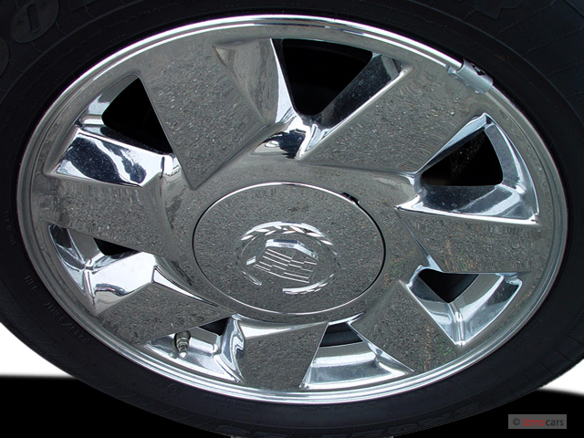 Image: 2005 Cadillac DeVille 4-door Sedan DTS Wheel Cap ...