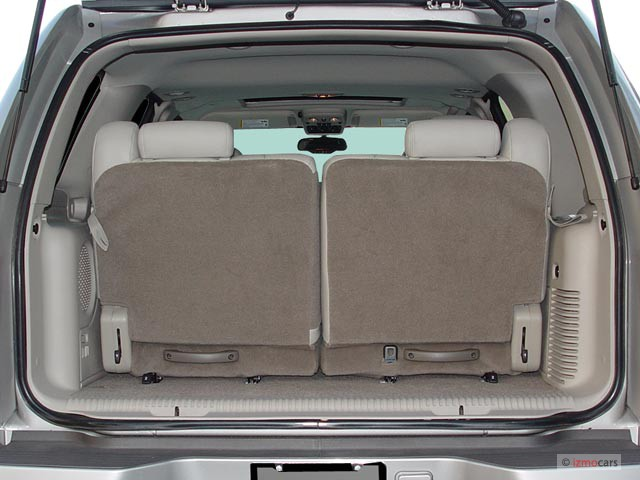 Image: 2005 Cadillac Escalade 4-door 2WD Trunk, size: 640 ...
