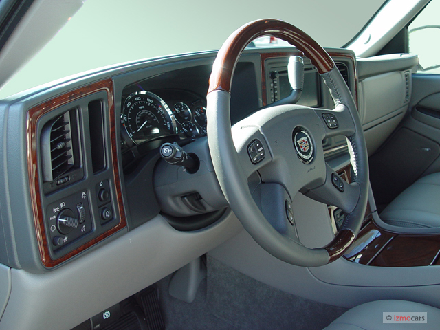 Image 2005 Cadillac Escalade Ext 4 Door Awd Dashboard