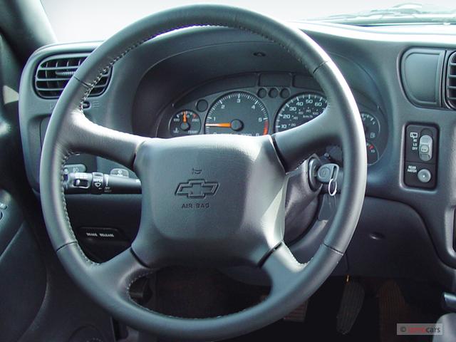Image 2005 chevrolet blazer 2 door steering wheel size 640 x 480 2005 chevrolet blazer 2 door steering wheel sciox Image collections