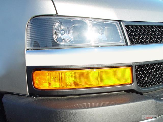 "Image: 2005 Chevrolet Express Passenger 3500 135"" WB RWD ..."
