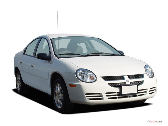 2005 Dodge Neon 4-door Sedan SXT Angular Front Exterior View