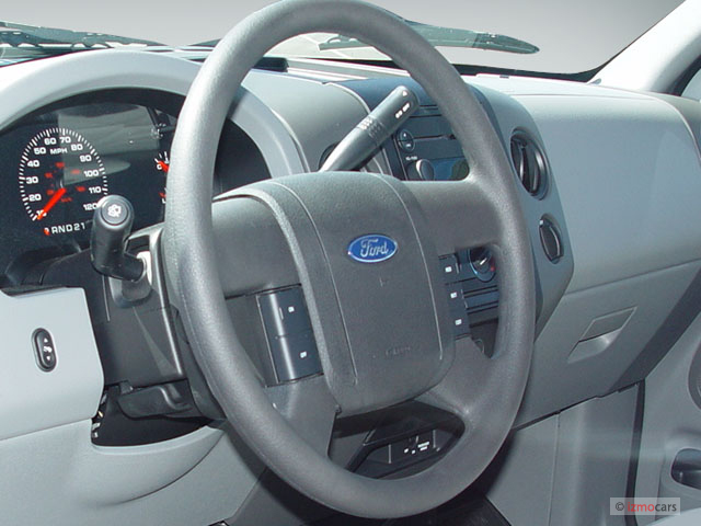 "Image: 2005 Ford F-150 Reg Cab 126"" STX Steering Wheel ..."