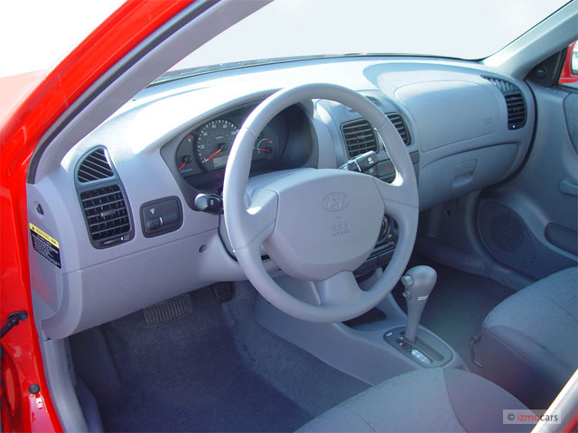Image 2005 Hyundai Accent 4 Door Sedan Gls Auto Dashboard