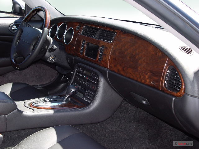 Image 2005 Jaguar Xk8 2 Door Convertible Xkr Dashboard
