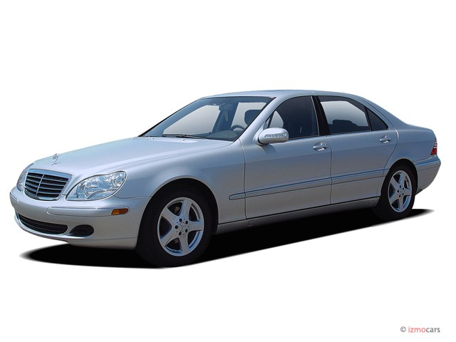2005 Mercedes-Benz S Class 4-door Sedan 4.3L Angular Front Exterior View
