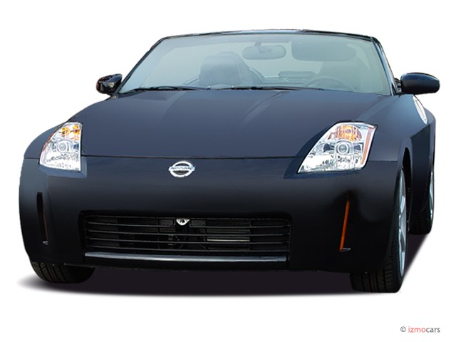 2005 Nissan 350Z 2-door Roadster Touring Auto Angular Front Exterior View