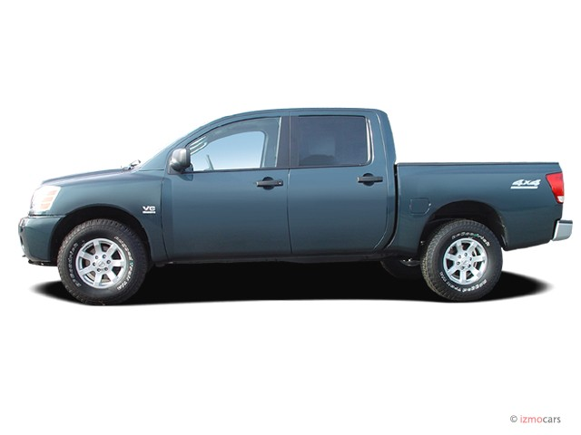 2005 Nissan Titan XE Crew Cab 4WD Side Exterior View