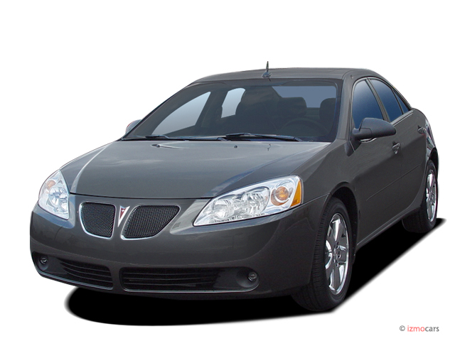 2005 Pontiac G6 4-door Sedan GT Angular Front Exterior View