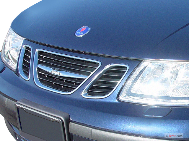 2005 Saab 9-5 4-door Wagon Linear Grille