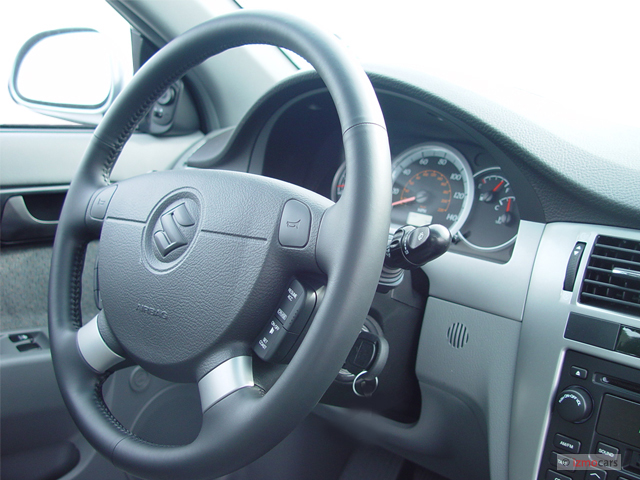 Image 2005 Suzuki Forenza 4 Door Sedan Lx Manual Steering