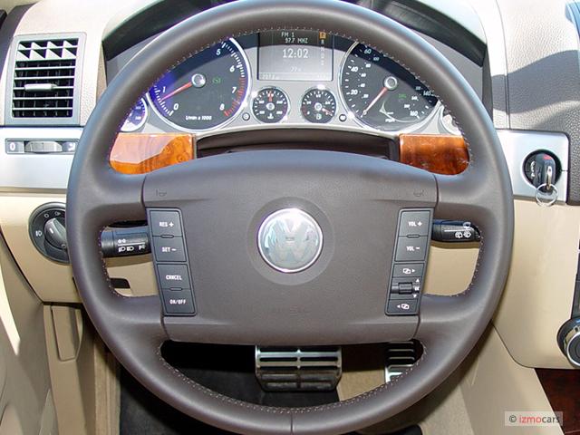 image 2005 volkswagen touareg 4 door v8 steering wheel. Black Bedroom Furniture Sets. Home Design Ideas