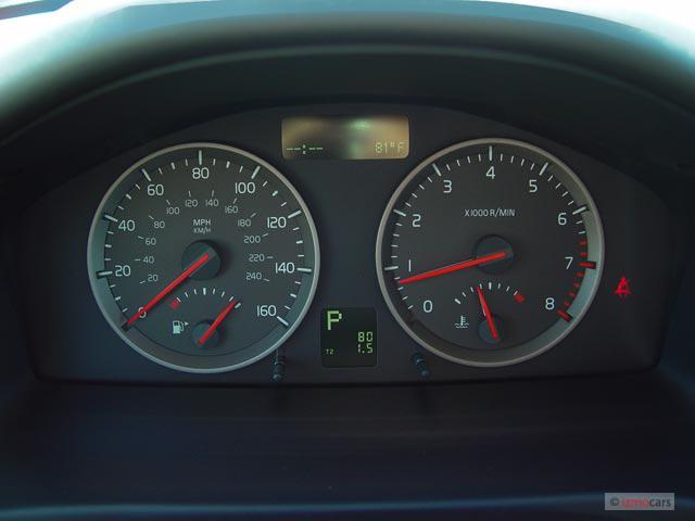 Image: 2005 Volvo V50 2.5L Turbo Manual Instrument Cluster ...
