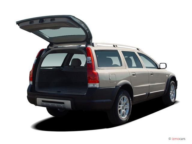 Image 2005 Volvo Xc70 2 5l Turbo Awd Trunk Size 640 X
