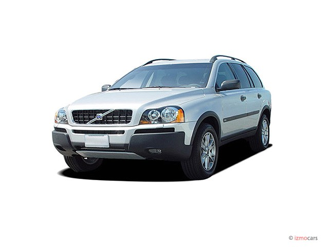 2005 Volvo XC90 4-door 2.5L Turbo AWD Angular Front Exterior View