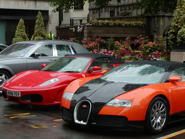 2006 Bugatti Veyron, Dorchester Hotel, London